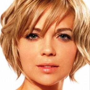 Short Wavy Hairstyles For Round Faces