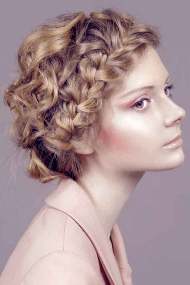 Sophisticated_Curly_Hairstyle_51