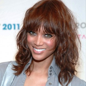 Tyra Banks Medium Curly Hairstyle