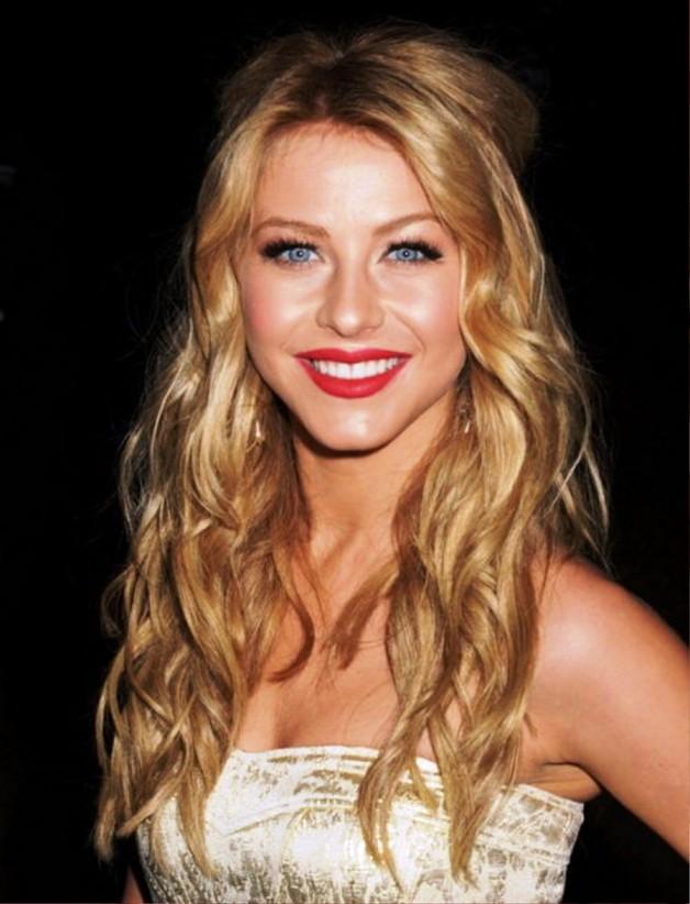 Women Wavy Long Hairstyles With Bangs