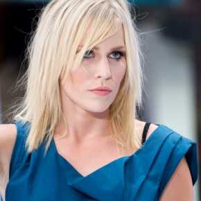 natasha-bedingfield-shoulder-length-layered-hairstyle-09-819x1024
