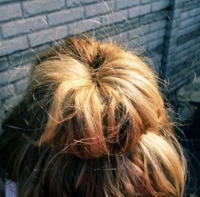 natural-curls-sock-bun