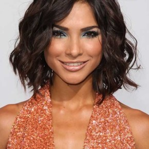 short-wavy-layered-bob-hairstyle