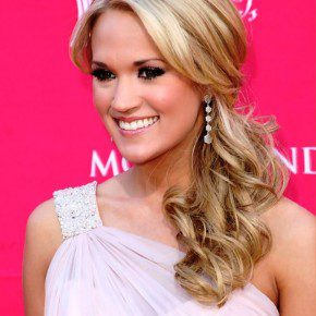 Carrie Underwood Loose Ponytail