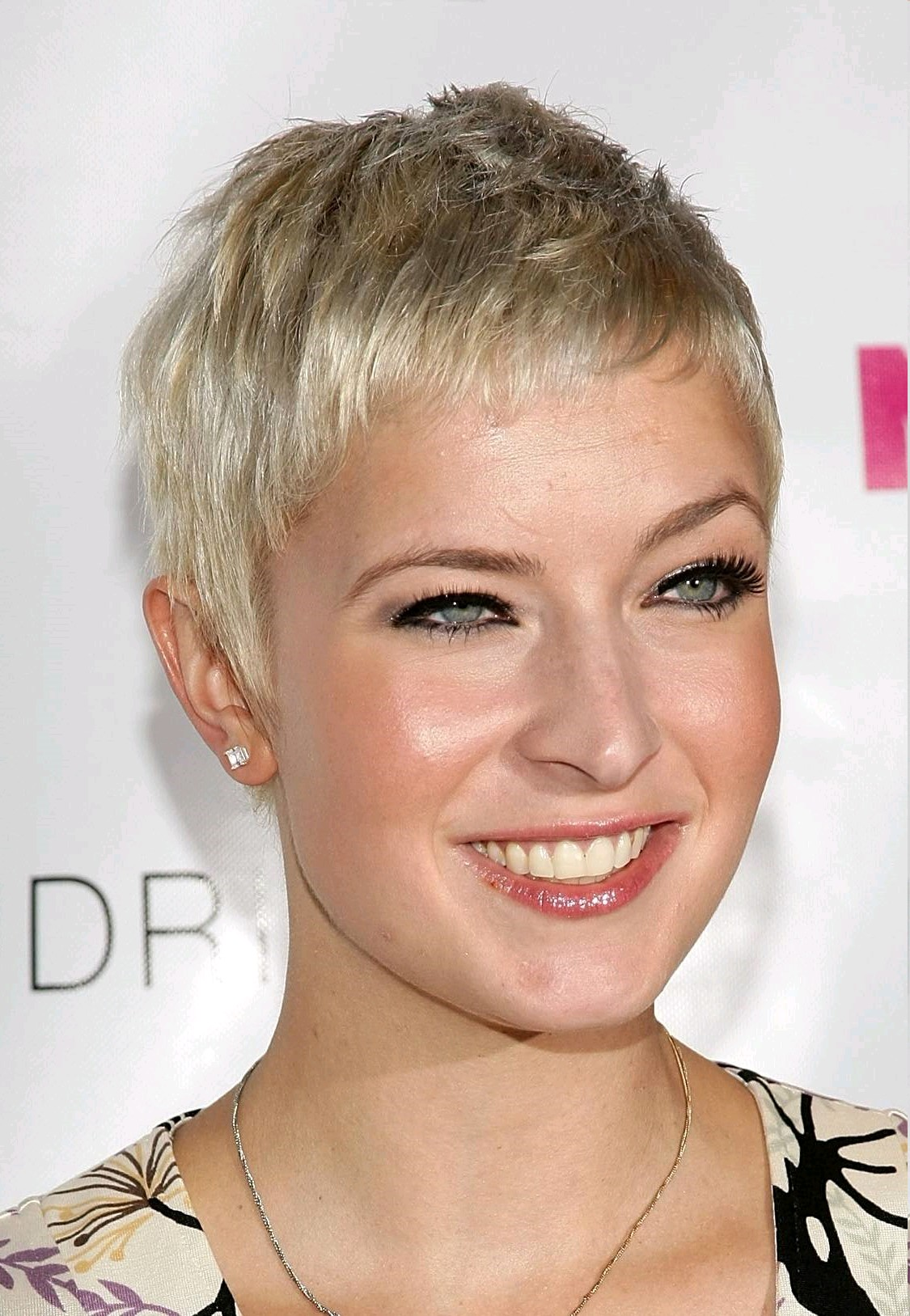 pictures of short hairstyles 55 year old woman