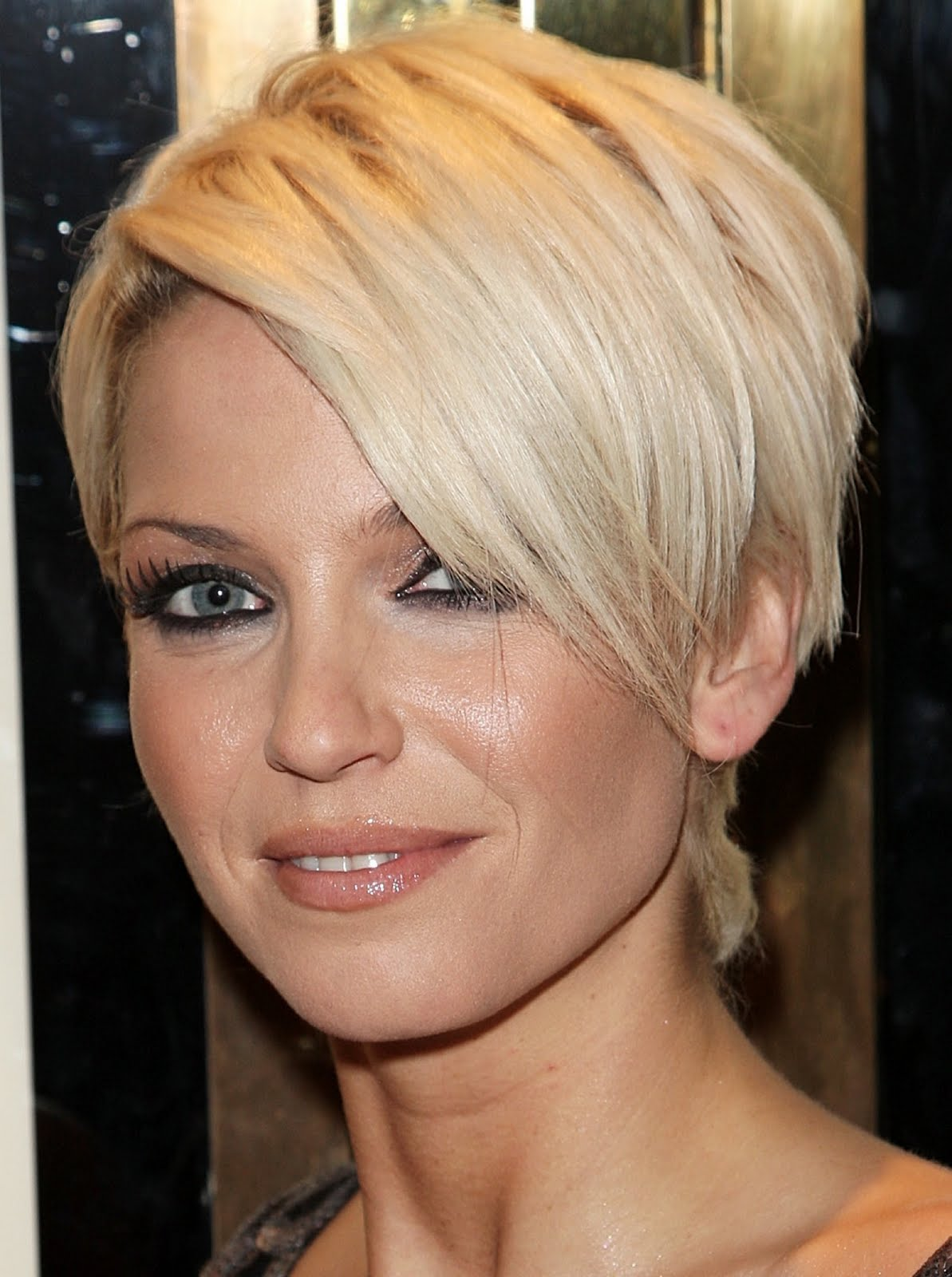 pictures of short hairstyles women