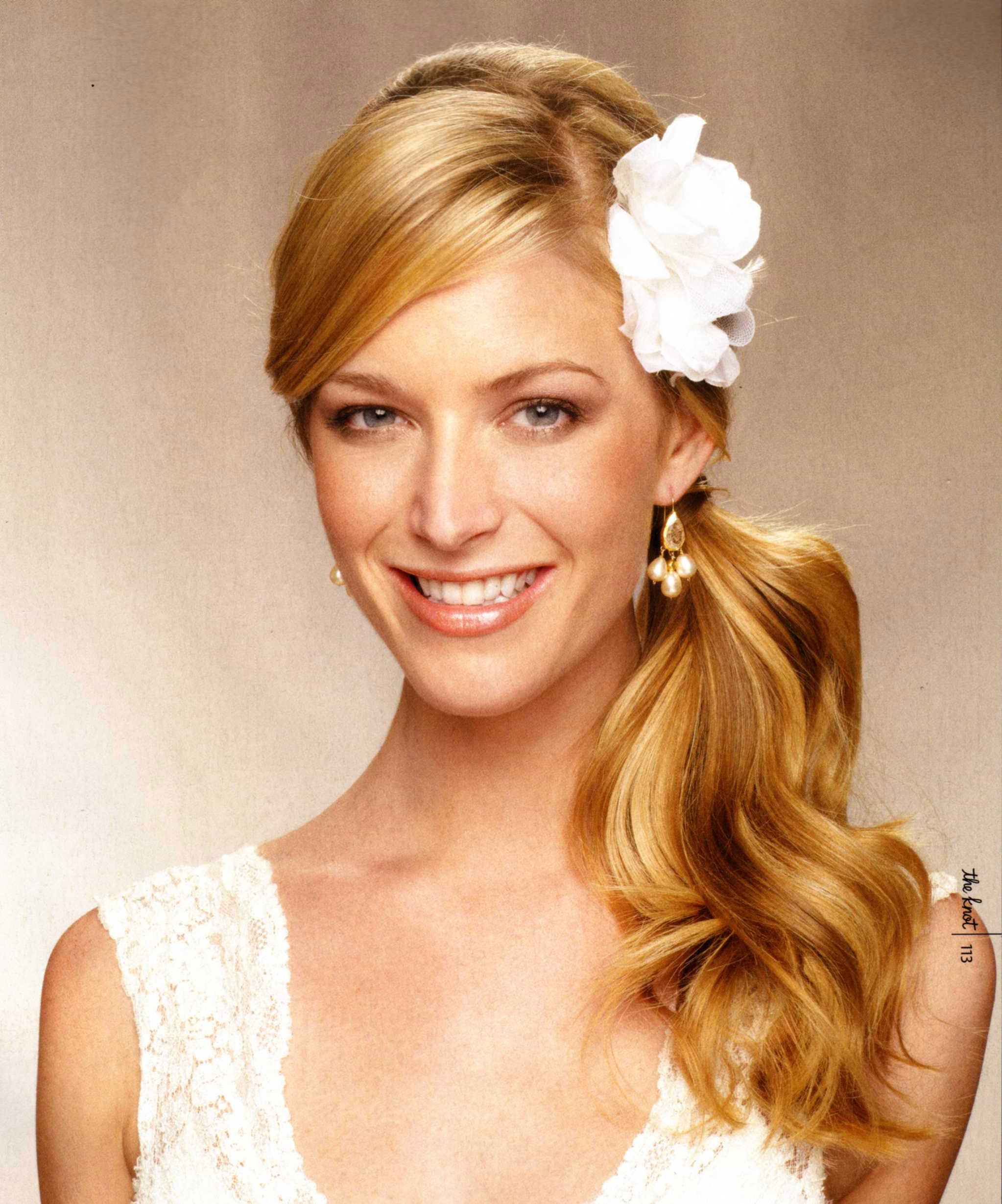 pictures of wedding hairstyles off to the side
