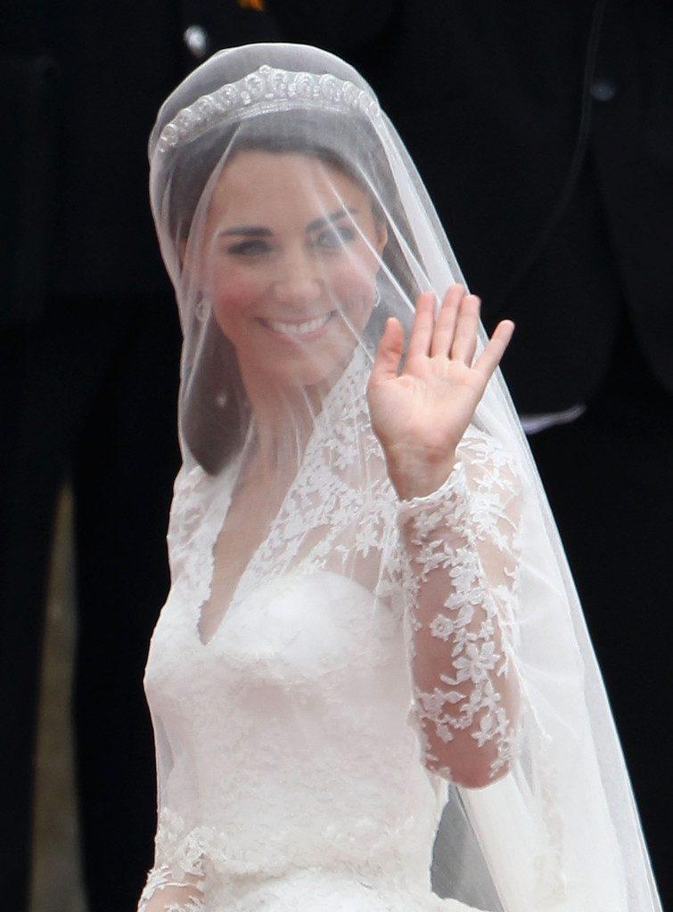 Wedding Hairstyles With Veil.Wedding Hairstyles Veil And Tiara Hairstyles Ideas Wedding