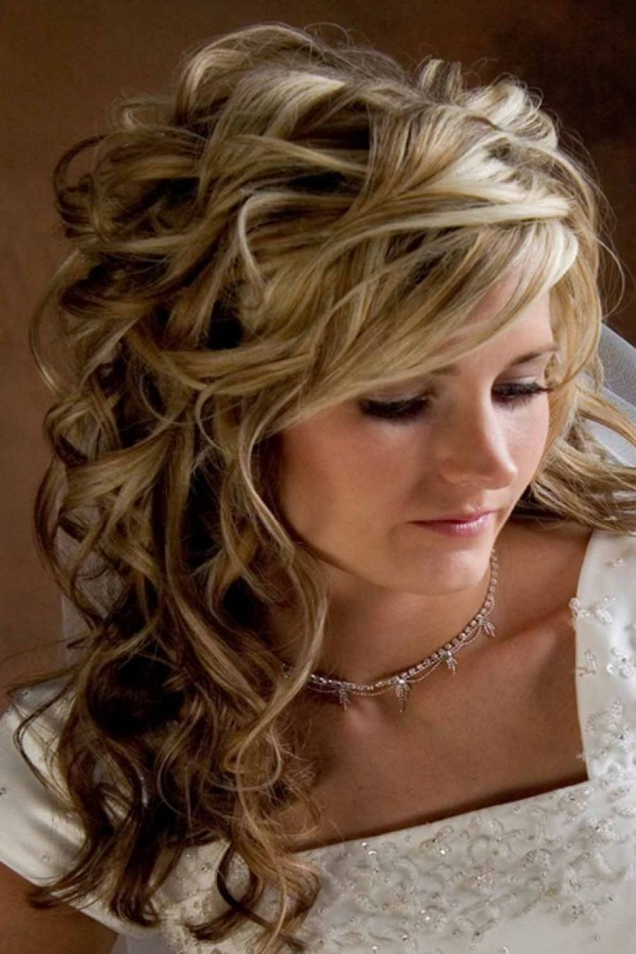 pictures of curly hairstyles to look younger