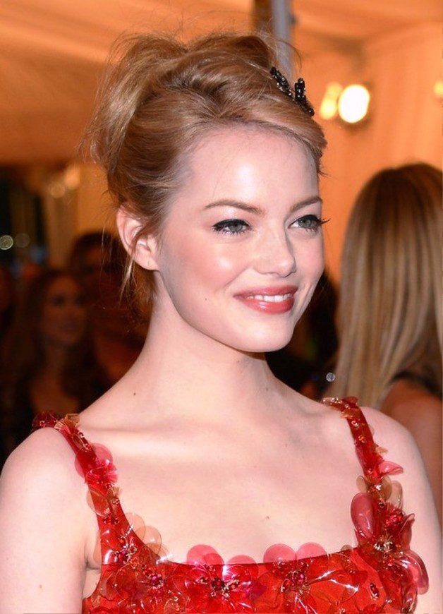 Emma Stone Bobby Pinned Updo Hairstyles