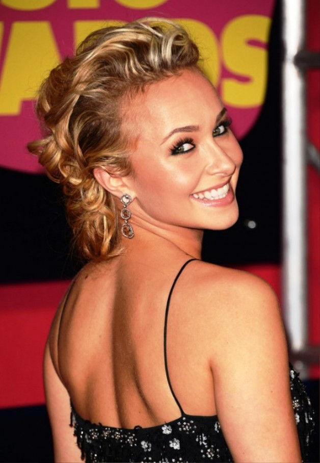 Hayden Panettiere Bobby Pinned Updo Hairstyles Behairstyles