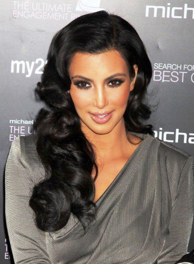 Kim Kardashian Long Black Hairstyle For Summer