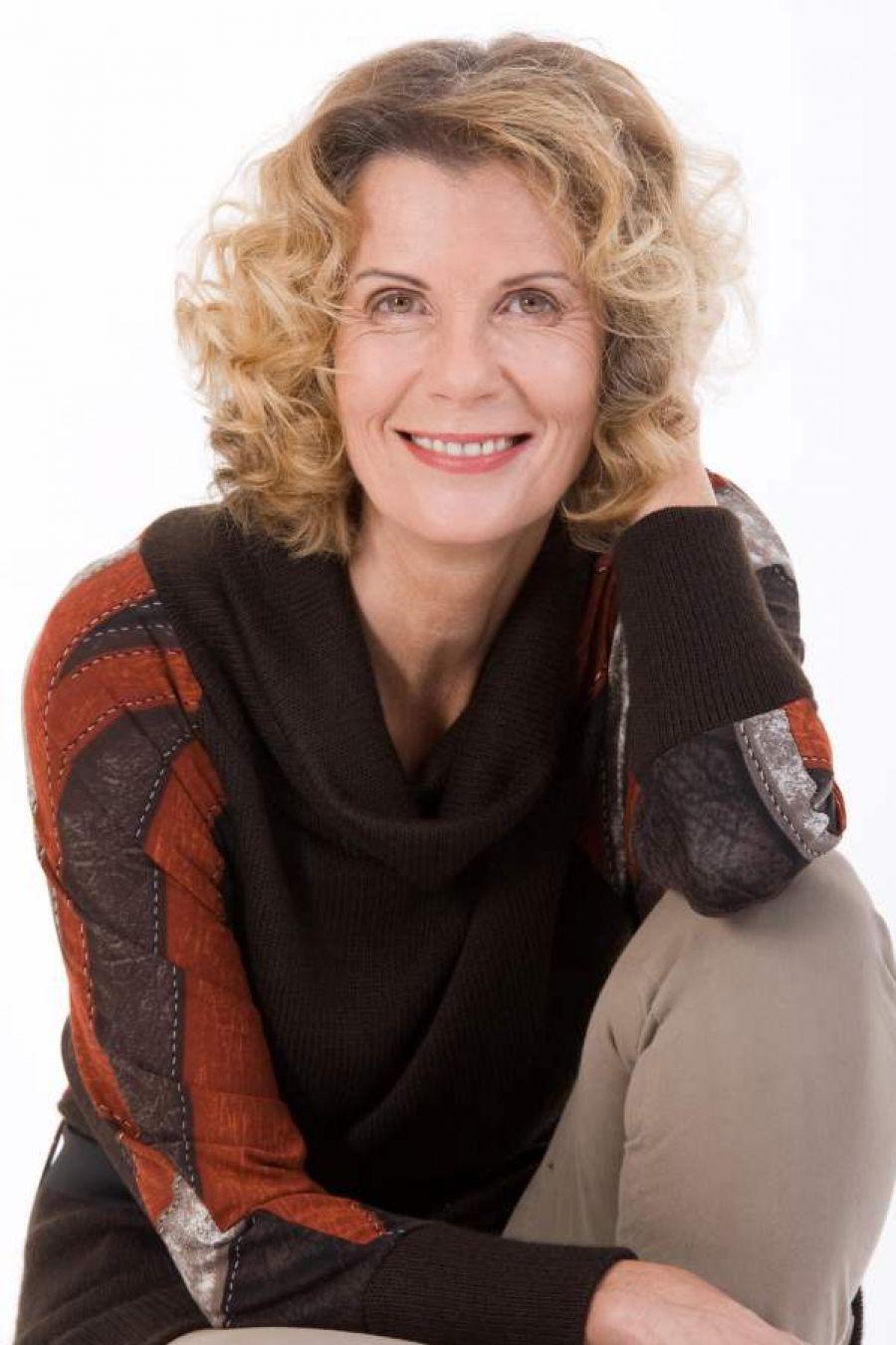 Medium Hair Women Over 50