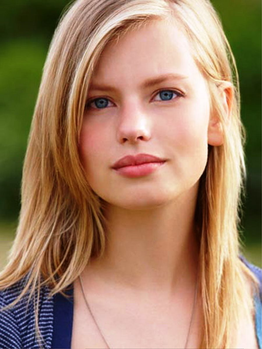 Medium Long Hairstyles For Girls Hairstyle Ideas Be Hairstyles