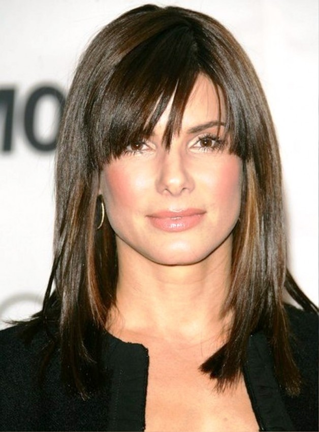 Medium Straight Hairstyle With Side Swept Bangs Behairstyles