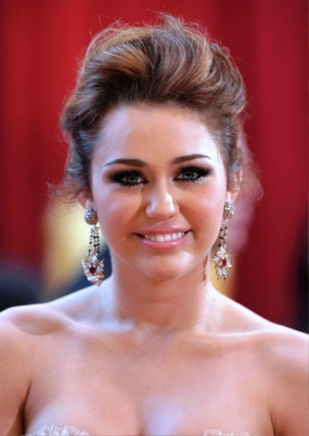 Miley Cyrus Formal Messy Updo For Wedding Behairstyles