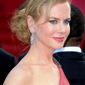 Nicole Kidman Low Loose Bun Updo