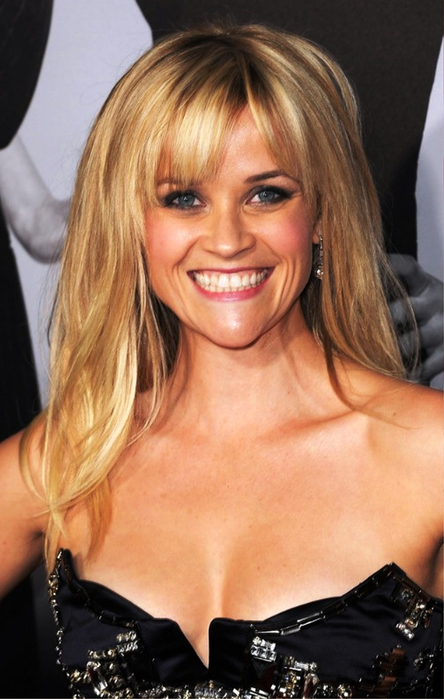 Pictures Of Reese Witherspoon Long Sleek Hairstyle With Bangs