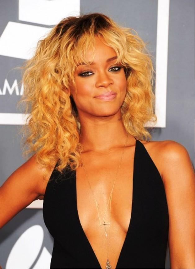 Rihanna Medium Curly Ombre Hairstyle