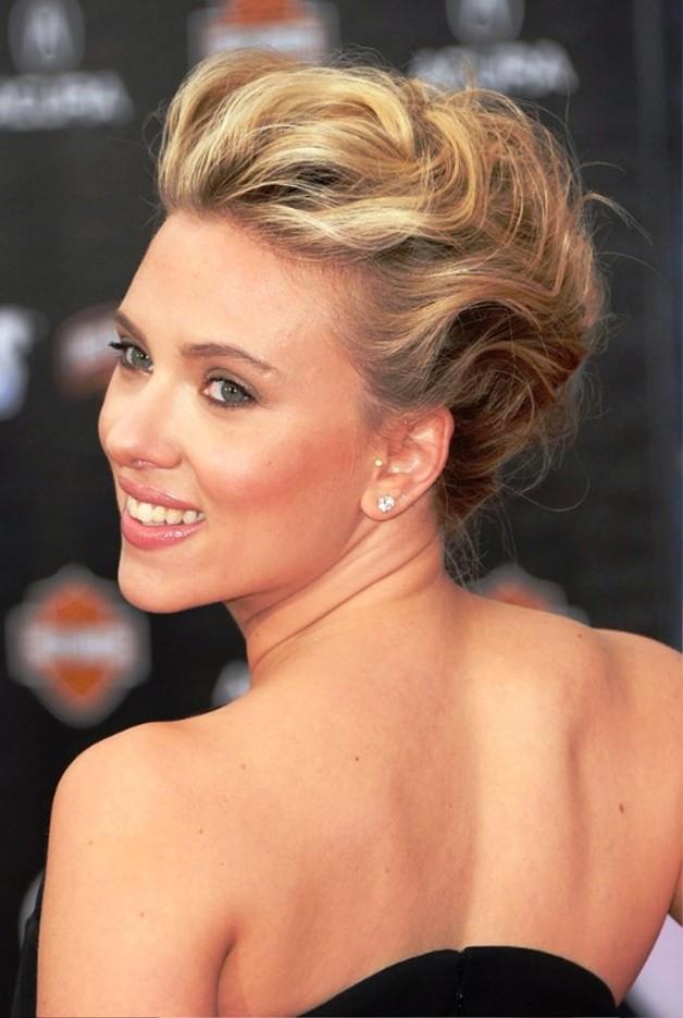 Scarlett Johansson Bobby Pinned Updo Hairstyle
